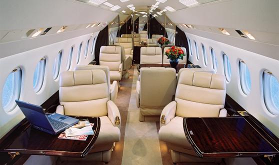 1007 405b8 - Самолёты Falcon 7X и 8X: какая модель подкупит рынок?