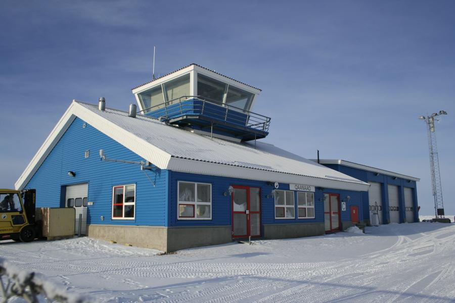 15 4 - Аэропорт Каанаак (Qaanaaq) коды IATA: NAQ ICAO: BGQQ город: Каанаак (Qaanaaq) страна: Гренландия (Greenland)