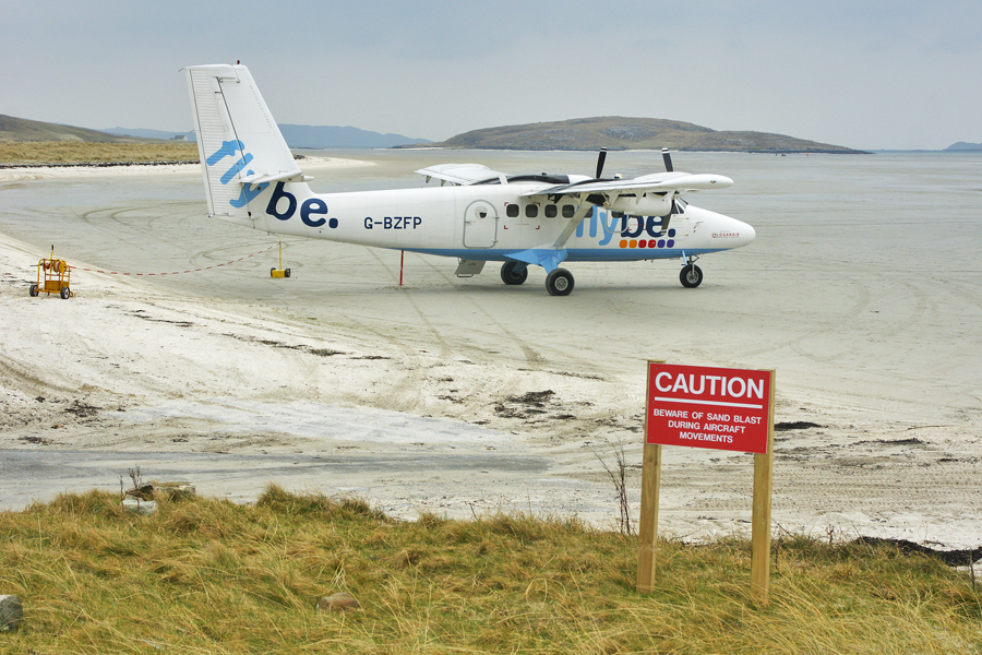 4 11 - Аэропорт Барра (Barra) коды IATA: BQQ ICAO: SNBX город: Барра (Barra) страна: Великобритания (United Kingdom)