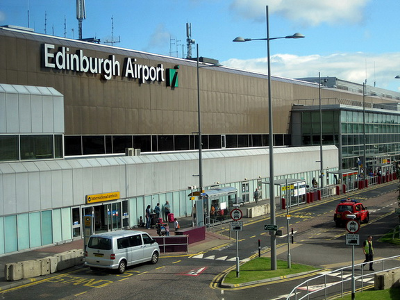 56 1 - Аэропорт Эдинбург (Turnhouse) коды IATA: EDI ICAO: EGPH город: Эдинбург (Edinburgh) страна: Великобритания (United Kingdom)