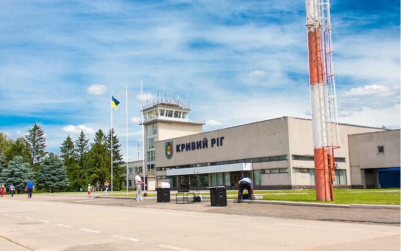 6 7 - Аэропорт Кривой Рог (Krivoy Rog) коды IATA: KWG ICAO: UKDR город: Кривой Рог (Krivoy Rog) страна: Украина (Ukraine)
