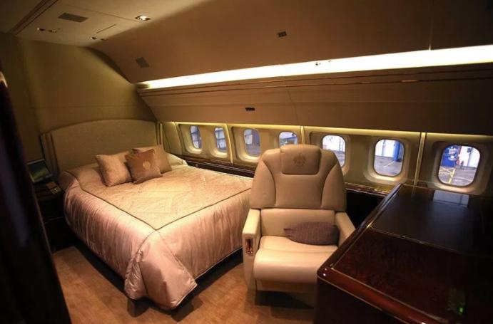 999 a2577 - Трамп форс – один: частный самолет президента США