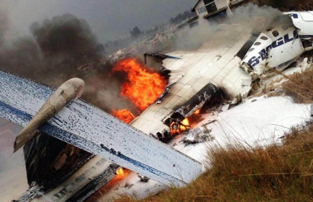 Clip2net 180312172854 - В Катманду при посадке загорелся пассажирский самолет