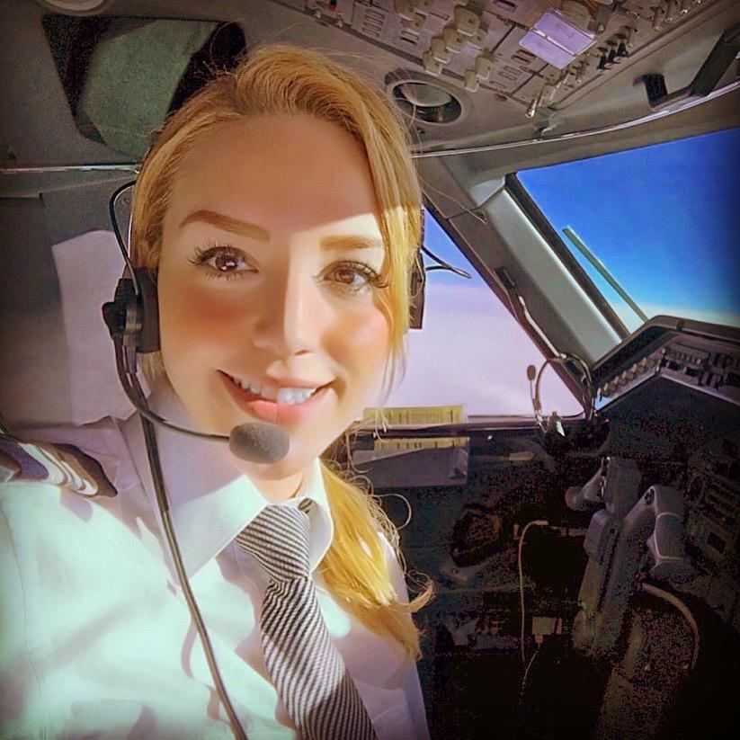 alejandra - Самые красивые женщины-пилоты по версии портала aviav.ru
