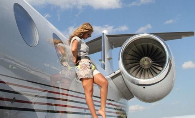 18 особенностей частного самолета Бейонсе и Jay-Z