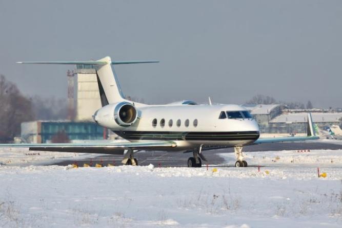 3 2 - От чего зависит тариф на аренду частного самолета?