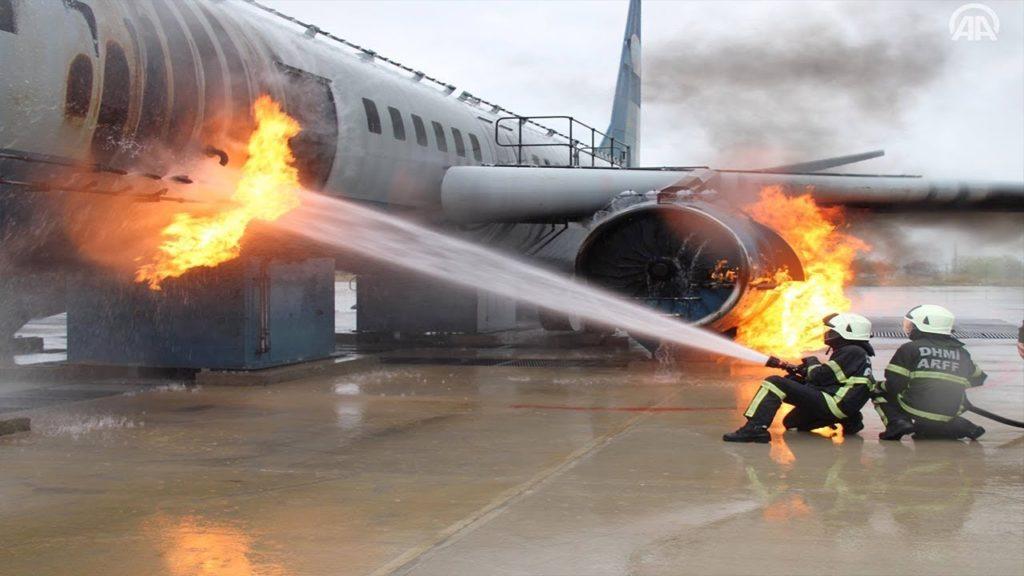 44048 1024x576 - Эвакуация из самолёта в условиях пожара