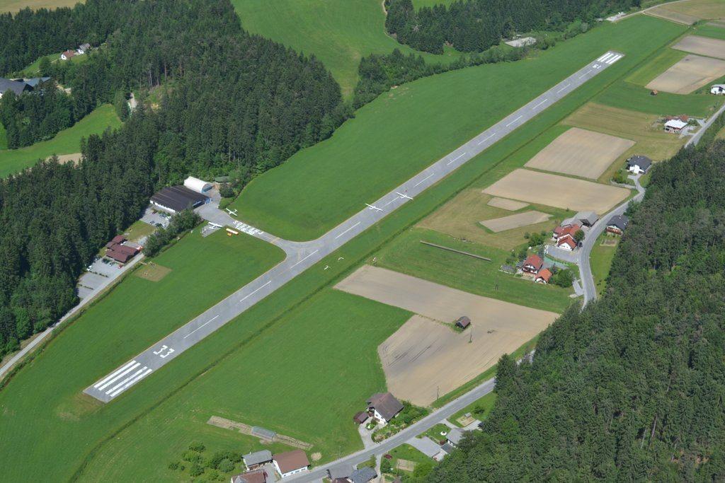 DSC 0050 001 1024x683 - Аэродром Шоштань в Словении для частной авиации