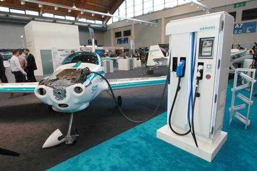 AERO Friedrichshafen 2018 - зарядные устройства Siemens для электролетов