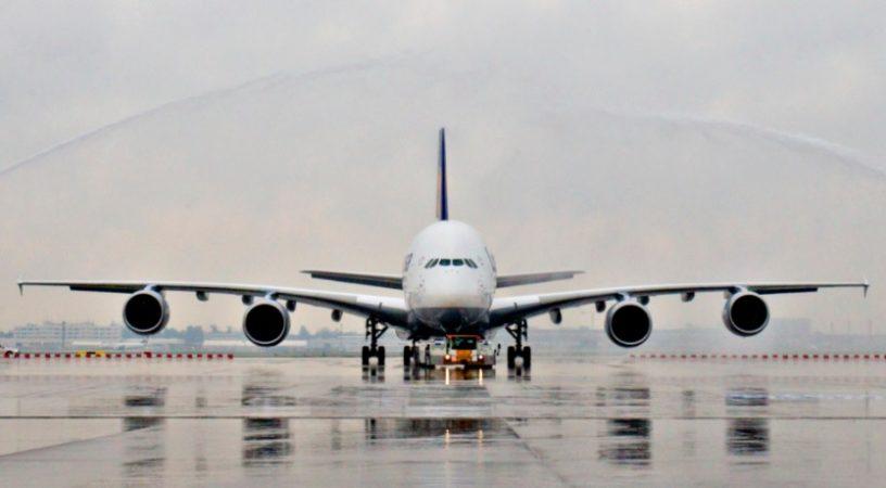 3 13 816x450 - Airbus A380 и Boeing 747 - битва титанов