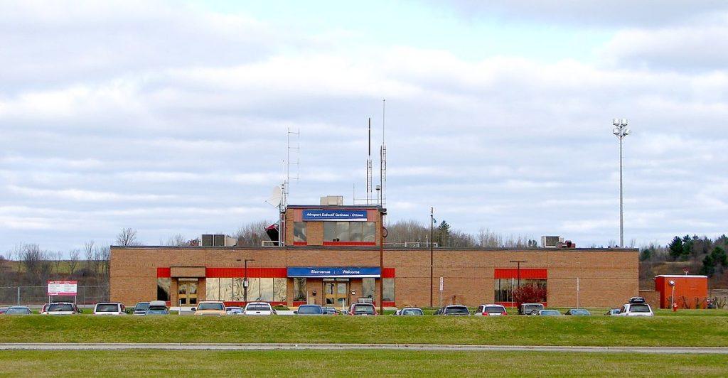 33 1024x532 - Аэропорт Гатино-Оттава (Gatinao-Ottava ) коды IATA: YND ICAO: CYND город: Гатино (Gatinao) страна: Канада (Canada)