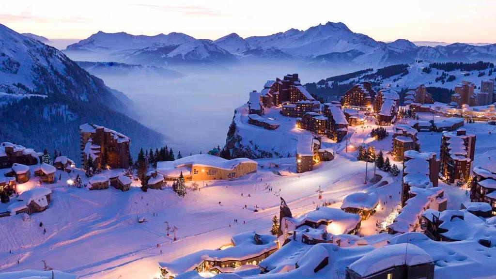 Zimniy otdyih vo Frantsii 1024x576 - Вертолетные рейсы на горнолыжные курорты Франции: актуальные направления и цены