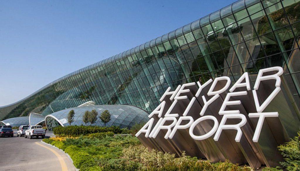 dbacd2dd655e20467e9841d616ef8dac 1024x584 - В аэропорту в Баку начали работу терминалы по выдаче виз