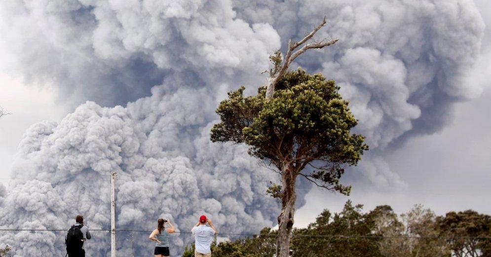 На Гавайях объявлен «красный» уровень опасности для самолетов