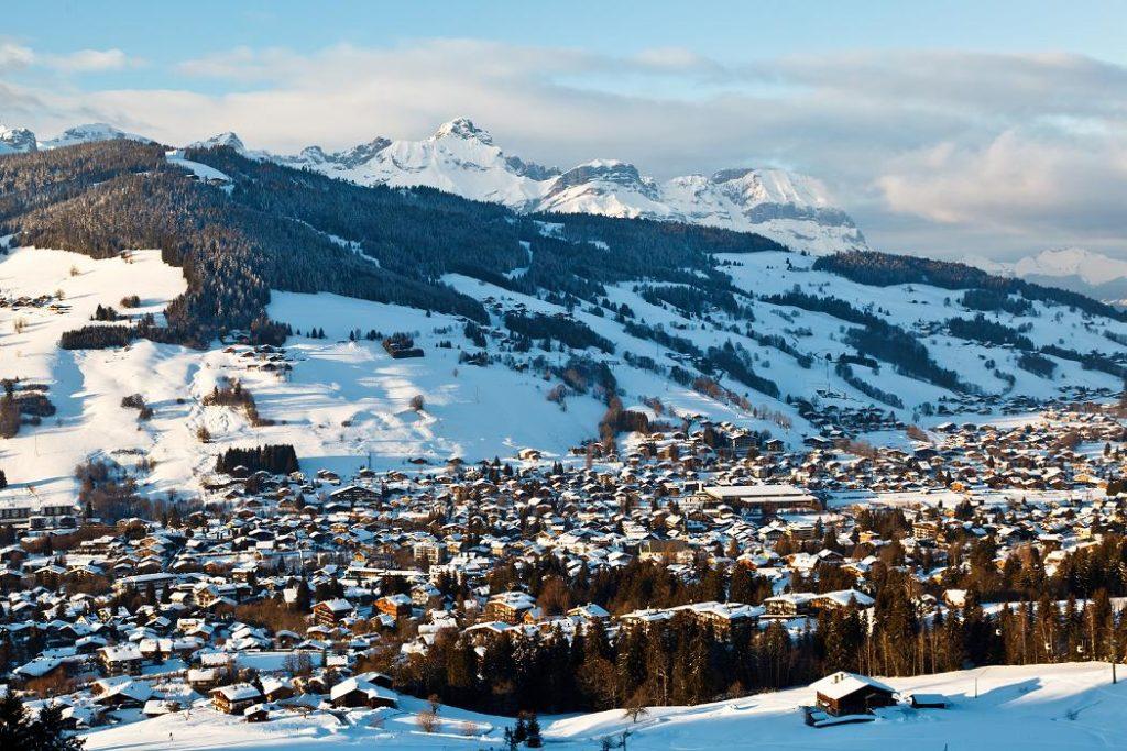 Вертолетные рейсы на горнолыжные курорты Франции: направления, цены, услуги