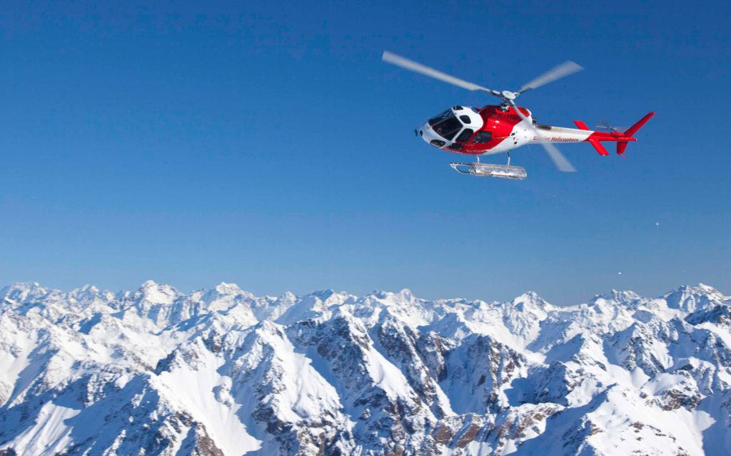 Горнолыжные курорты Франции: сколько стоят вертолетные рейсы