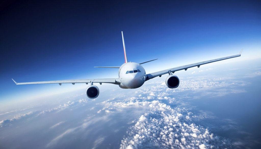 cell phones airplane 1024x585 1024x585 - Ужесточаются требования к пролёту над ЕС