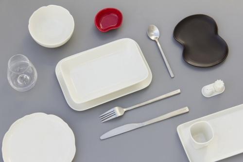 tableware - Пластиковая посуда на борту самолетов может оказаться под запретом