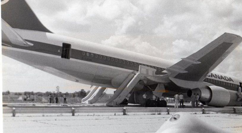 cgaun iho hu 816x450 - Чудо на аэродроме Гимли - посадка самолета с неработающими двигателями
