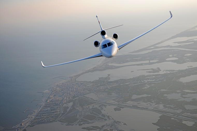 039 falcon8x 2016usb50 hd free big - Какие сейчас цены на самые популярные в мире деловые самолеты?