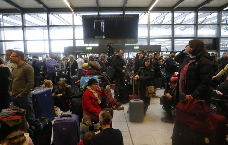 2 4 - 4 способа, как частные самолеты помогают семьям воссоединиться в праздники