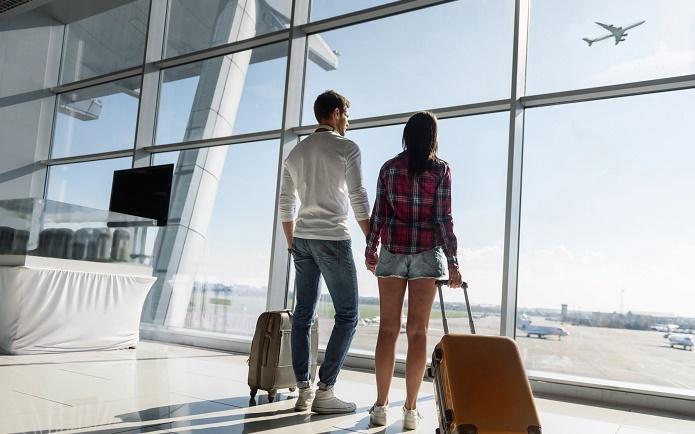 havaliman   yolcu seyahat Domodedovo Antalya - Анталия принимает в день 90 самолетов из Домодедово