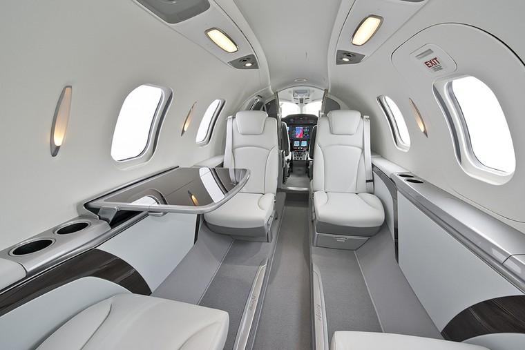 hondajet interior free big - Какие сейчас цены на самые популярные в мире деловые самолеты?