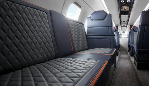 phenom 300 light business aircraft free big - Какие сейчас цены на самые популярные в мире деловые самолеты?