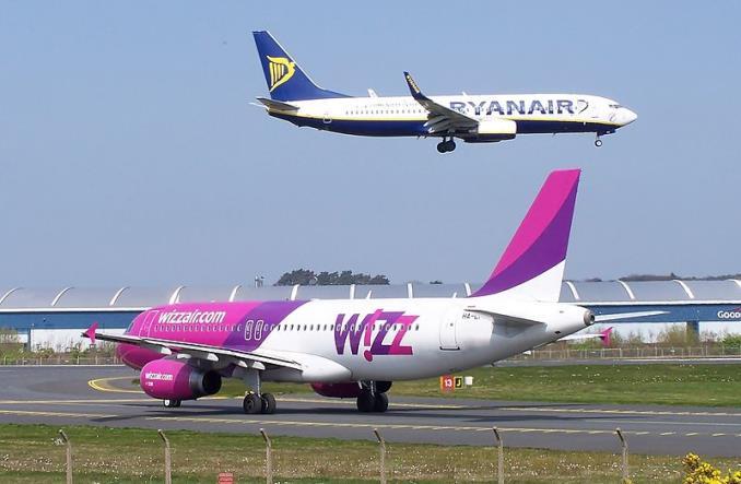 20180905072826RyanairWizz7141688277.jpg 678 443 - В августе лоукостеры Ryanair и Wizz Air отметили рост пассажиропотока