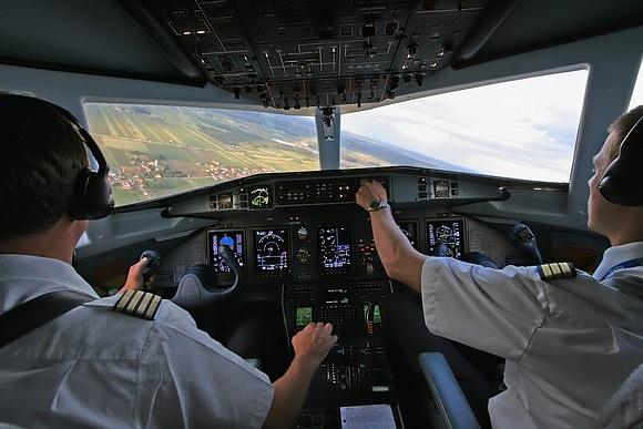 Росавиация дала разрешение на найм 210 иностранных пилотов