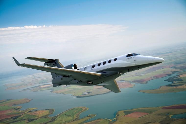 phenom 300 flight 04 free big 2 - Embraer Phenom 300 против Cessna Citation CJ4 - сравнительный анализ конкурирующих моделей в категории Light Jet