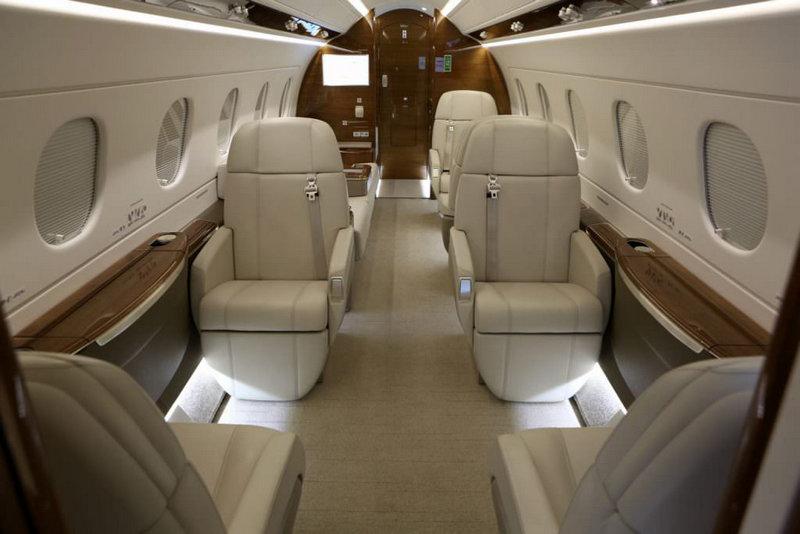 LEGACY 500 2 - Горящее предложение:  Шамбери (Франция) -   Лондон (Англия) всего за 1млн 27 тысяч рублей!