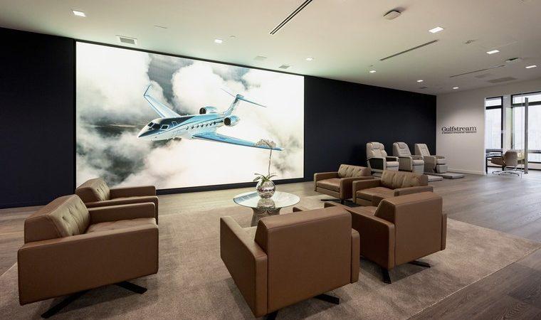 gulfstream manhattan power wall free big 760x450 - Новый офис продаж Gulfstream в Манхэттене