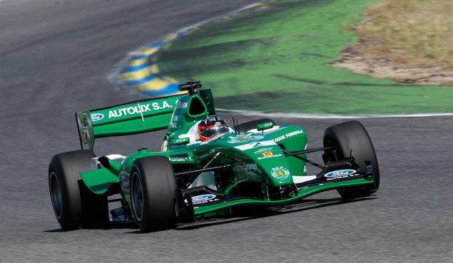 0e02680e64f08b38fa6d0806263ec - Бразильская трасса готовится принять автогонщиков Формулы 1