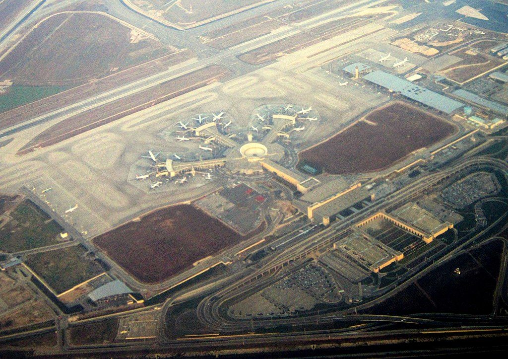 1024px Ben Gurion International Airport aerial view 1024x723 - Великие имена России: мнения