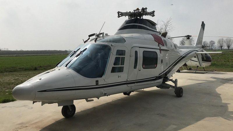 Agusta A109C 1 800x450 - Горячее предложение: Продаётся вертолёт Agusta A109C  за 29,9 миллионов рублей