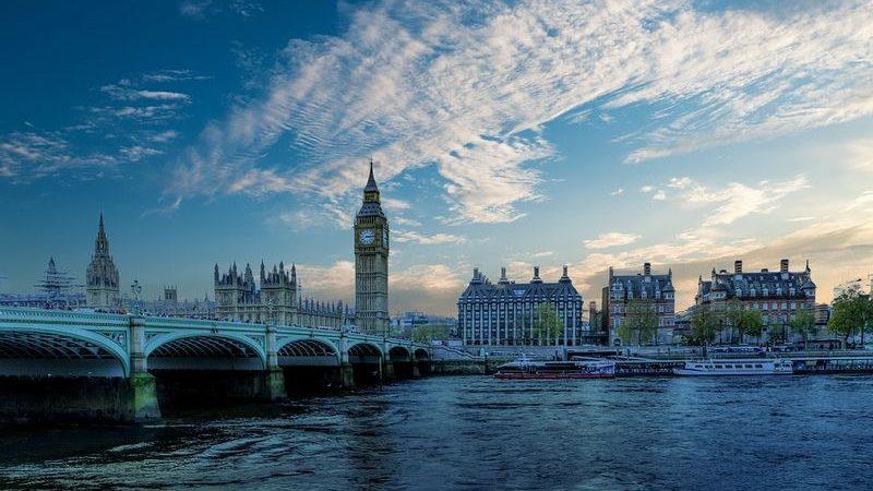 London turist 1 800x450 - Путеводитель по столице Великобритании. Методичка туриста