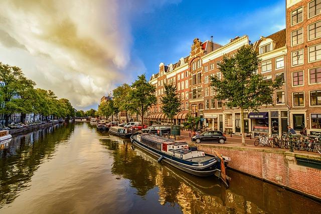 amsterdam 1910176 640 - Амстердам — столица страны тюльпанов