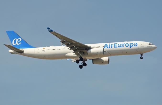 Упорство профсоюзов поставило авиакомпанию Air Europa на грань банкротства