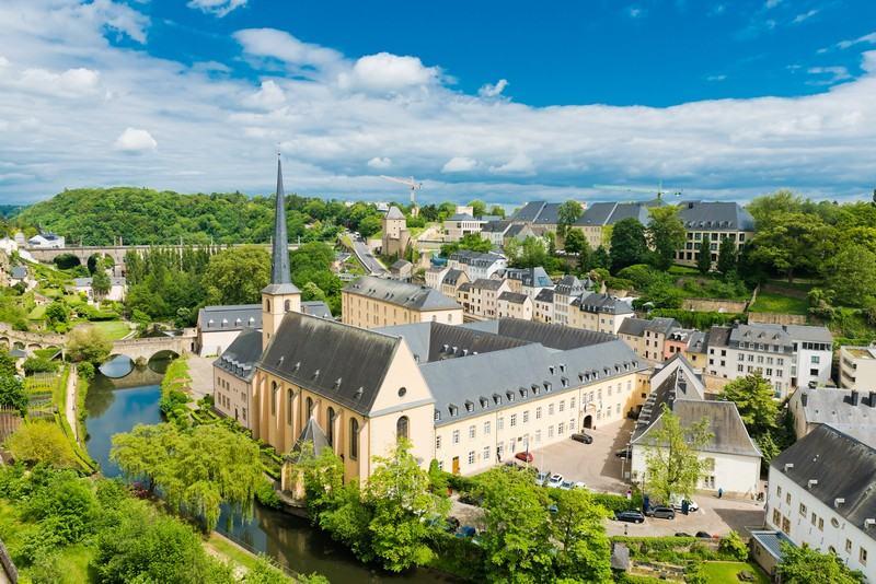 заказать самолёт в Люксембурге