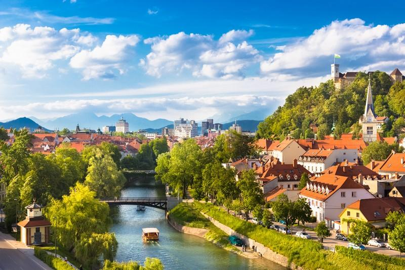 Slovenia - Аренда частного самолёта в Европе. Мы расширяемся!