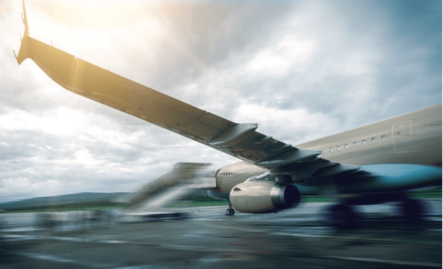 jemQgbuB66g - Выбросы от авиации за 30 лет вырастут в семь раз