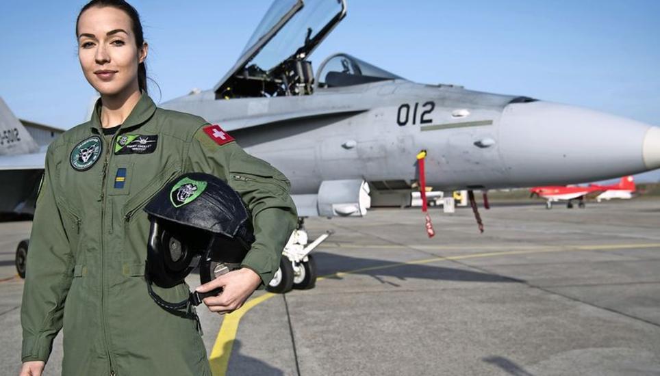 Фрау Шолле – первая швейцарская летчица на F/A-18 Hornet