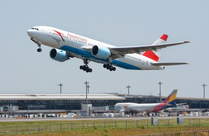 AustrianAirlinesBoeing777 - Austrian Airlines усиливает экспансию на европейском рынке