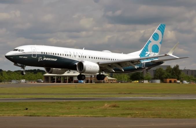 Boeing 737 MAX 8 на авиасалоне в Фарнборо