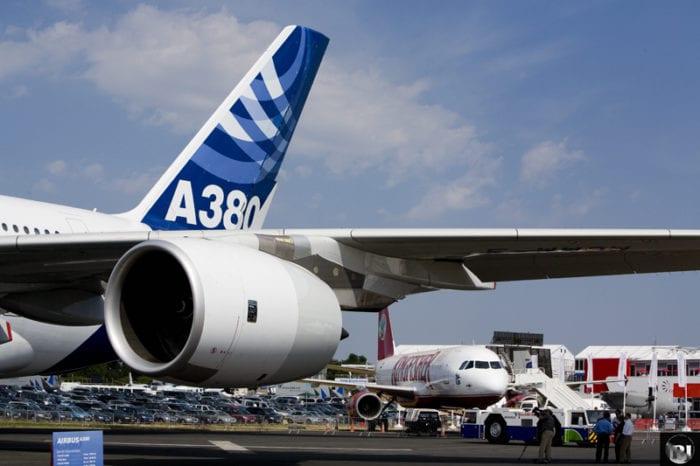 1 2 - 50-летие Airbus - отражение
