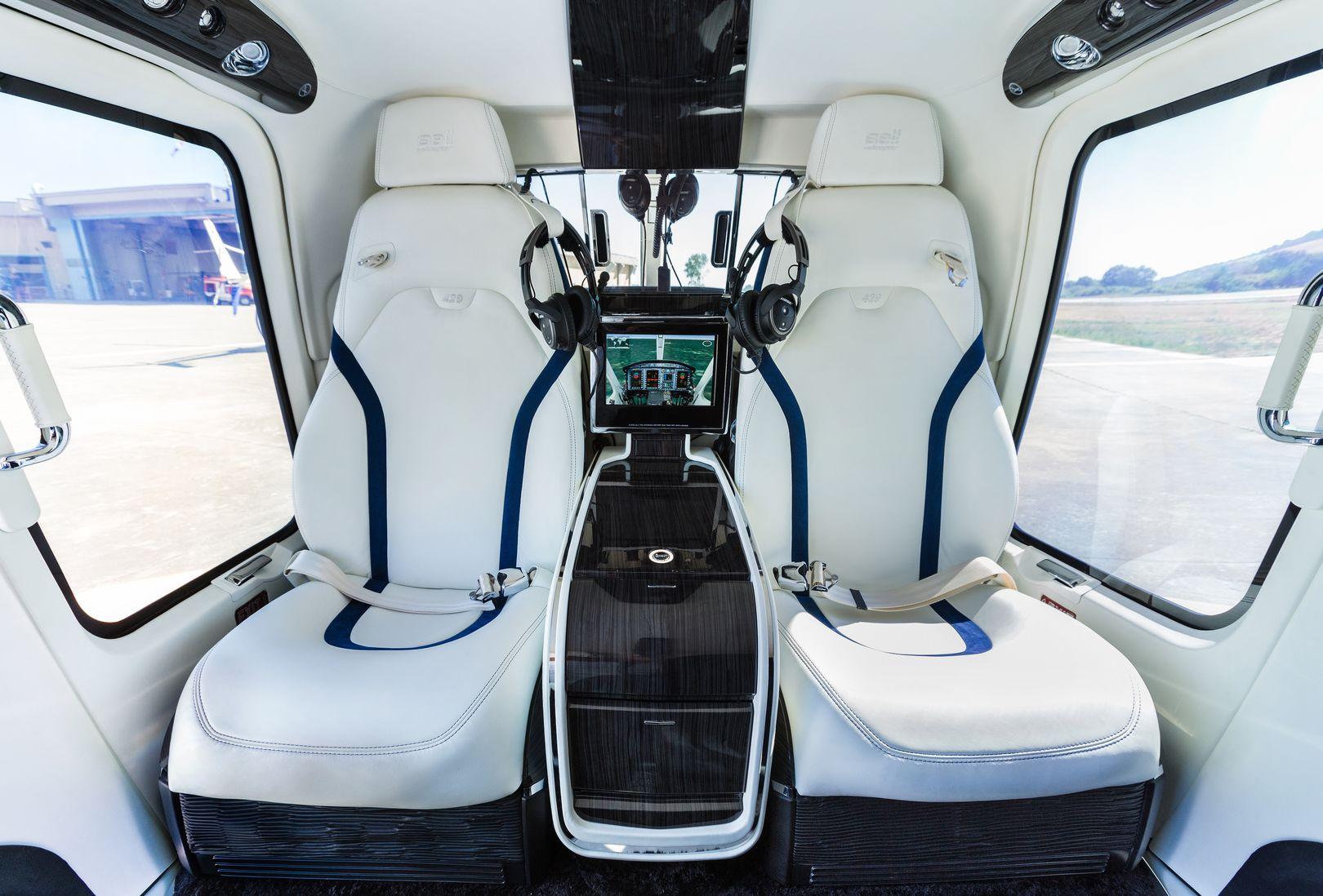 Роскошный салон Bell 429 представлен на выставке EBACE 2019
