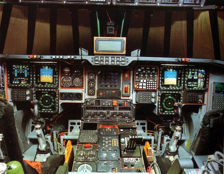 В интернете  впервые появились фотографии кабины самого дорогого самолета в мире
