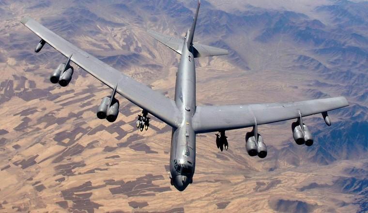 RCS бомбардировщика B-52 имеет площадь 100 квадратных метров