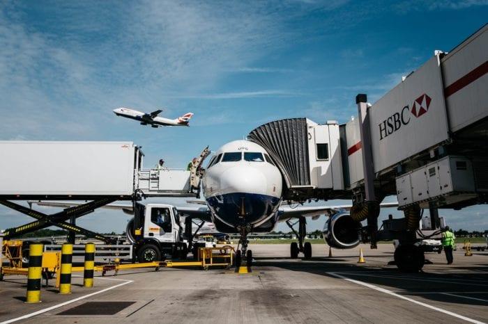 landingcard3 700x466 - Великобритания отменяет посадочные карты